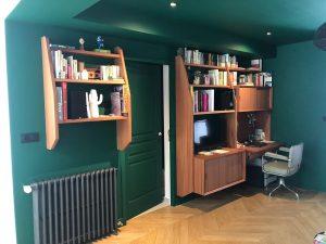 Bureau et étagère réalisé par MAE Gohier