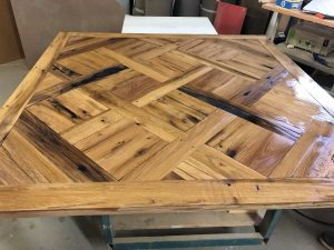 plateau de table de fabrication artisanale