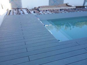 tour de piscine en construction