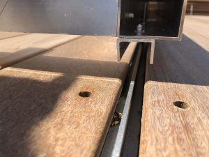 rail pour couverture piscine en alu et bois ipé